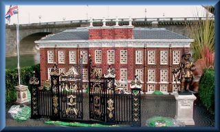 Kensington Palace NEW Department Dept. 56 DV set/14 Dickens Village DV