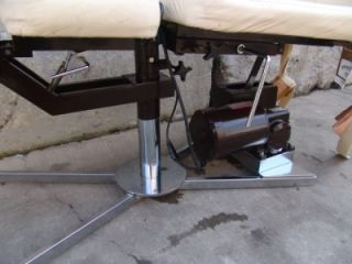 LEANDER MOTORIZED CHIROPRACTIC DISTRACTION TABLE NICE. 120V NICE