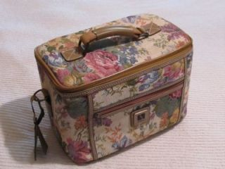 Leisure Overnight Luggage Case Tapestry Roses Shabby Cottage Chic