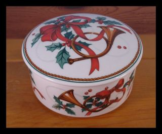 Mikasa Covered Round Box Holiday Christmas Jubilation