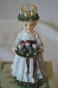 International Santa Claus Collection 1999 Saint Lucia Sweden Figurine