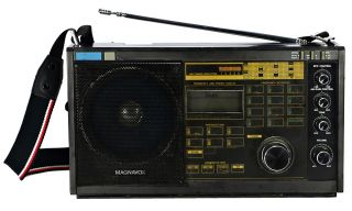 Magnavox D2935 Portable Am FM LW Shortwave SSB Digital Radio Receiver