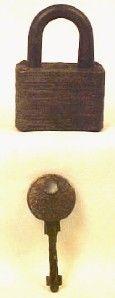 Vintage # 1100 BROWNIE MASTER LOCK CO STEEL PADLOCK w KEY Works