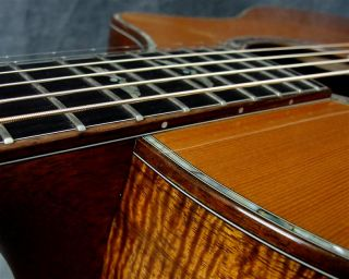 Breedlove Master Class C25 K Custom Koa Acoustic Guitar