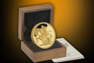 BRAND NEW 2011 QE2 PROOF GOLD HALF SOVEREIGN (BOXED + COA)