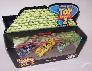 Hot Wheels Disney Pixar Toy Story 2 Playset NASCAR 2000