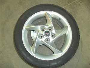 2004 Pontiac Grand Prix 17 Wheel Rim w Tire LKQ