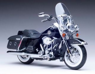 2011 Harley Davidson FLHRC Road King Classic Diecast Motorcycle 112