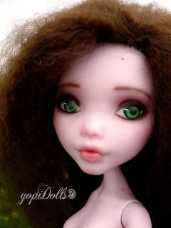 Draculaura Monster High Custom Repaint Reroot OOAK by gopiDolls
