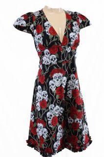 Ausgefallenes knielanges Tunikakleid mit Skulls & Roses allover von
