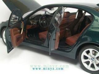 BMW Serie 5   545i E60 Vert sedan   Kyosho 1/18