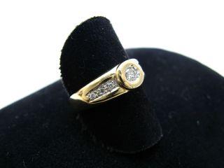 R561 585er 14kt Gelbgold Gold Ring klassisch mit Brillant und