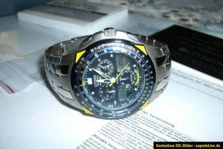 Citizen Eco Drive Chronograph Armbanduhr Gehäuse a. Titanium Blue