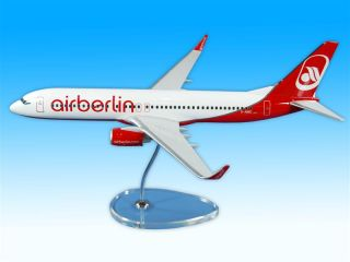 AIR BERLIN Boeing 737 800 NEW LIVERY 1:100 RESIN NEU