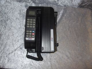 MOTOROLA GSM D2 Porty Autotelefon Auto Telefon tragbar Mercedes