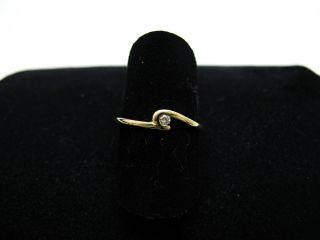 R886 585er 14kt Gelbgold Ring mit Brillant Brillantring schmal und