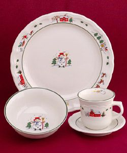 Pfaltzgraff Snow Village 16 piece Dinnerware Set