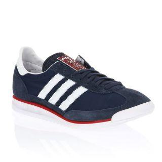 ADIDAS a revisité ses chaussures SL 72 pour un usage plus citadin