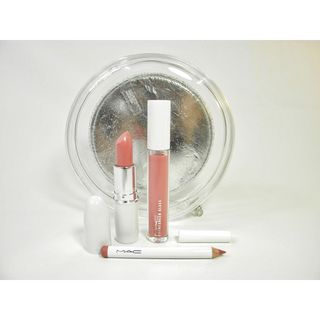 MAC Iced Delights Sultry 4 piece Makeup Set