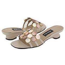 Vaneli Bice Sand Prl Nappa W/Mother Of Pearl Sandals