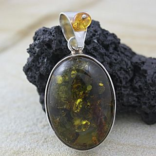 Sterling Silver Honey Baltic Amber Oval Detailed Pendant (Poland