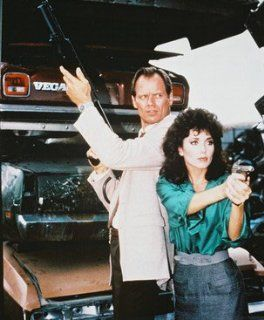 FRED DRYER AS DET. SGT. RICK HUNTER, STEPFANIE KRAMER AS DET. SGT. DEE