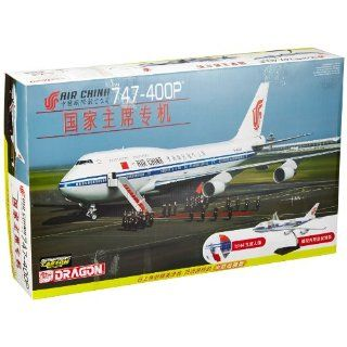 Dragon Models 1/144 Air China 747 400P with Cutaway Views