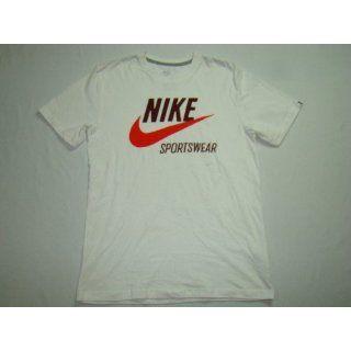 Nike Sportswear Oldschool T Shirt mit Logodruck weiß