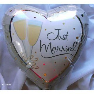 Folienballon Herzballon Just married/ Sektgläser 45 cm: