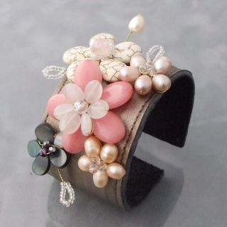Rose Quartz and Pearl Floral Blossom Leather Cuff Bracelet (7 8 mm