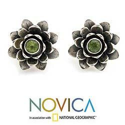 Sterling Silver Green eyed Lotus Peridot Flower Earrings (Indonesia