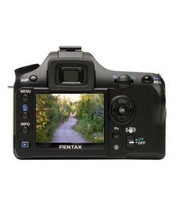 Pentax K100D Digital SLR Camera 28 200mm Zoom Lens