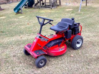 Snapper Rear Engine Riding Mower 8 HP 25 Cut Elec Start